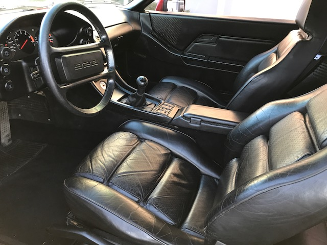 PorscheInt2.jpg